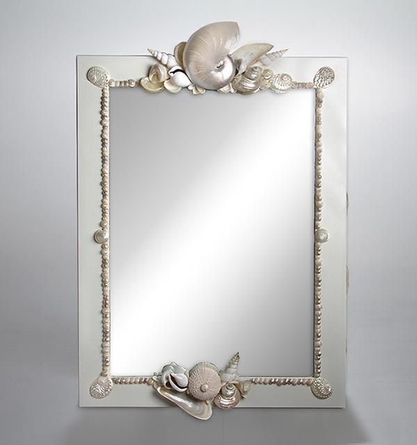 Specchio con nautilus e conchiglie in madreperla - Specchio con conchiglie ...